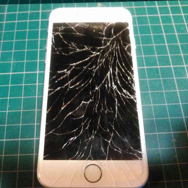 iPhoneのガラス割れ