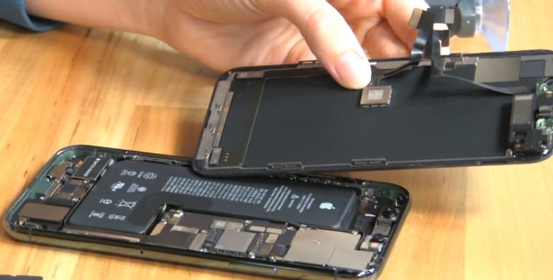 iPhoneを開封したところ